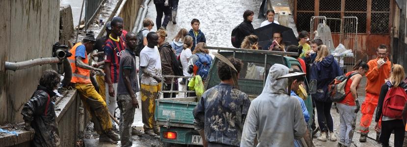 I volontari toscani impegnati nell'alluvione a Genova